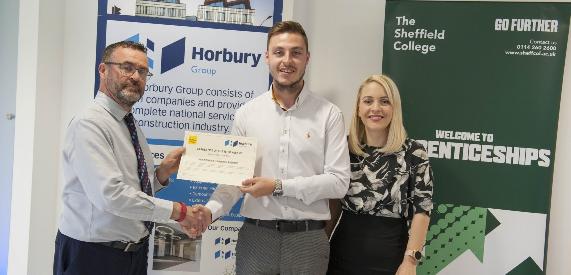 Role model construction higher apprentice receives achievement award