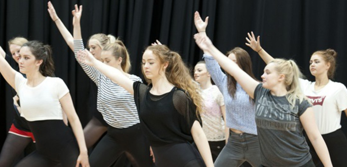 Students Stage Pop Up Dance Performance