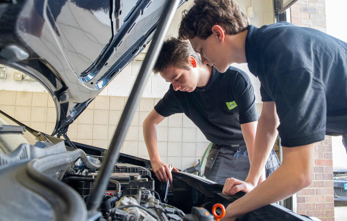 Autotech Academy partners with The Sheffield College to create employment opportunities for automotive students